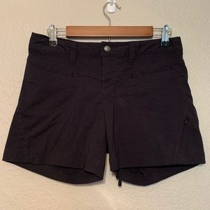 Athleta black quick dry dipper shorts size 4